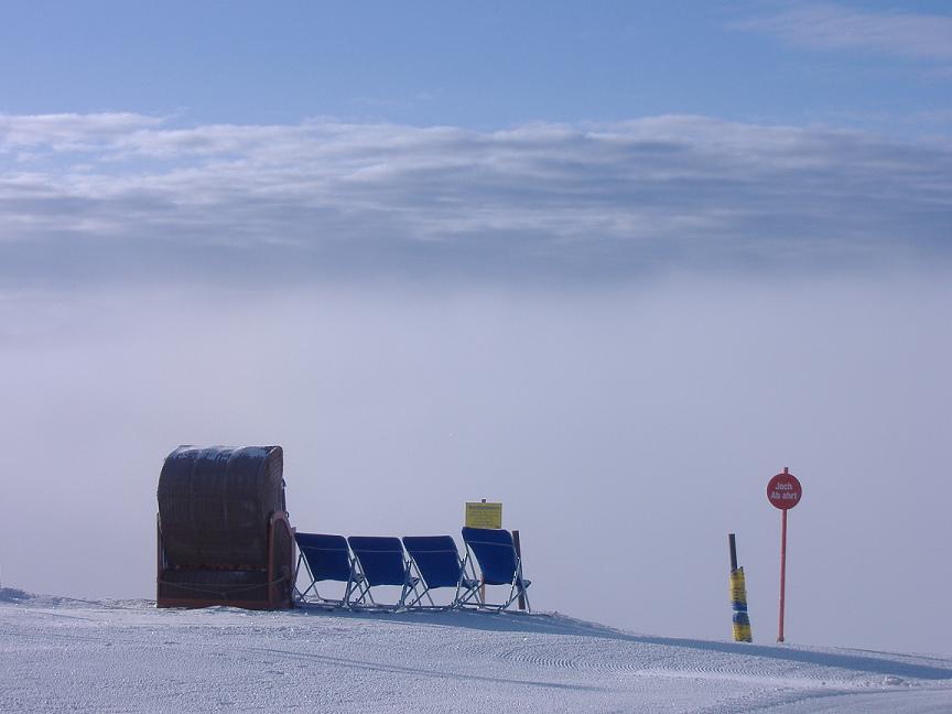 Sneeuw op de top in Fiss