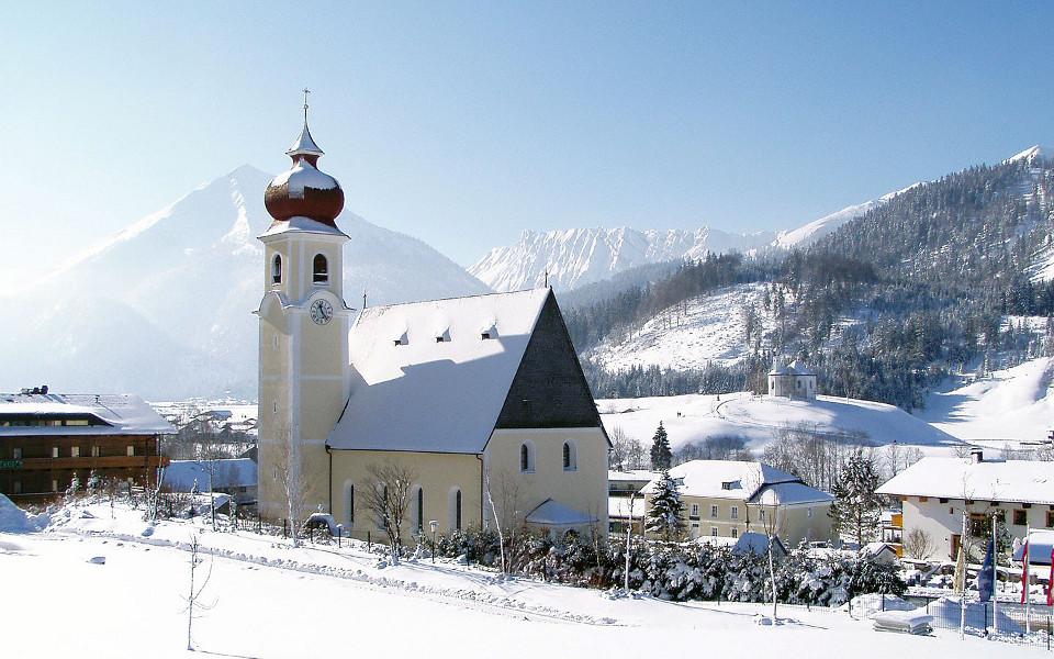 Fiss is een mooi dorp, waar vaak de zon schijnt, leuk skigebied